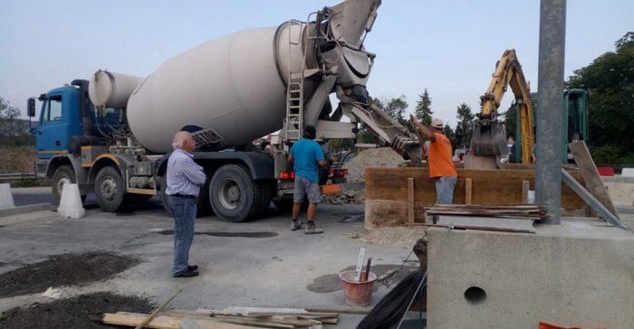 A buon punto la realizzazione della rotatoria all'uscita della superstrada in prossimità dell'abitato del Comune di Montecosaro